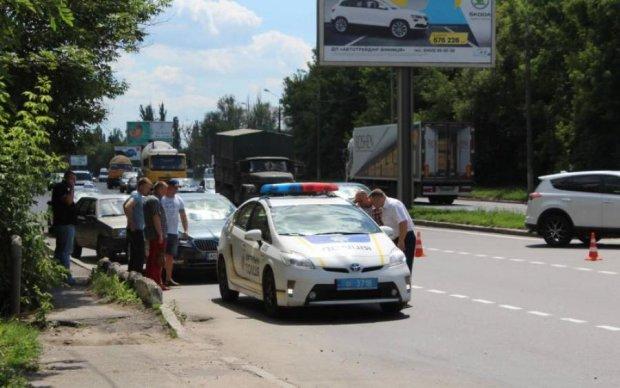 Жестокое убийство матери в Виннице: уличная камера засекла подозреваемого