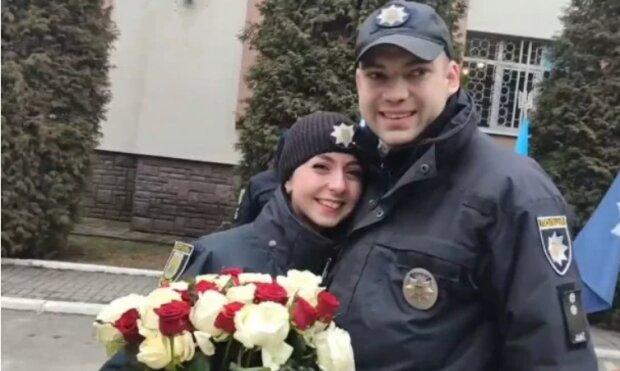 У Львові поліцейський освідчився колезі, скріншот відео