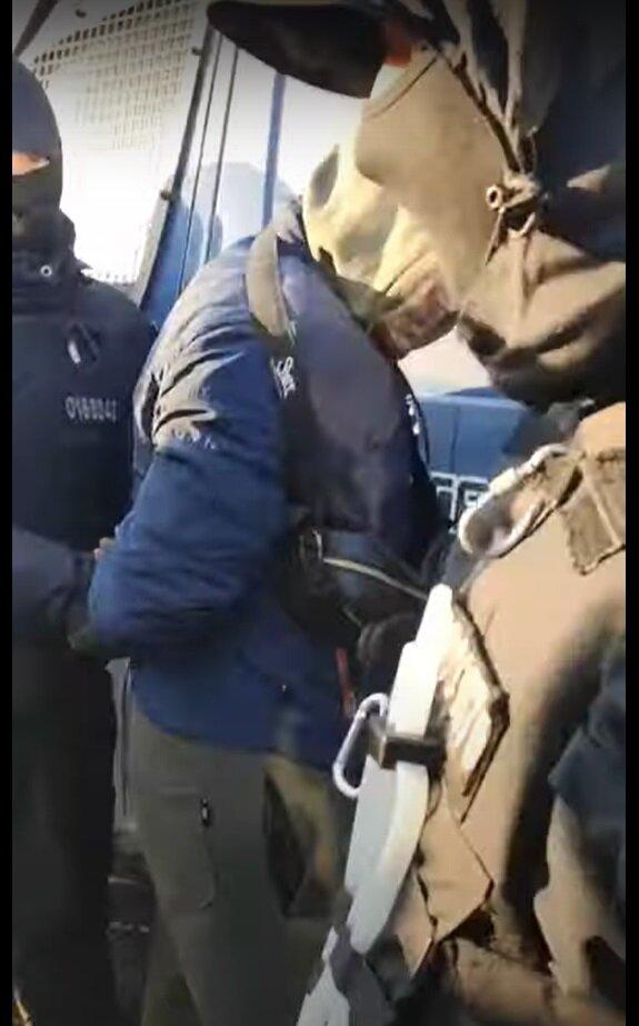 Під Харковом затримали водія, кадр з відео: YouTube Новини К