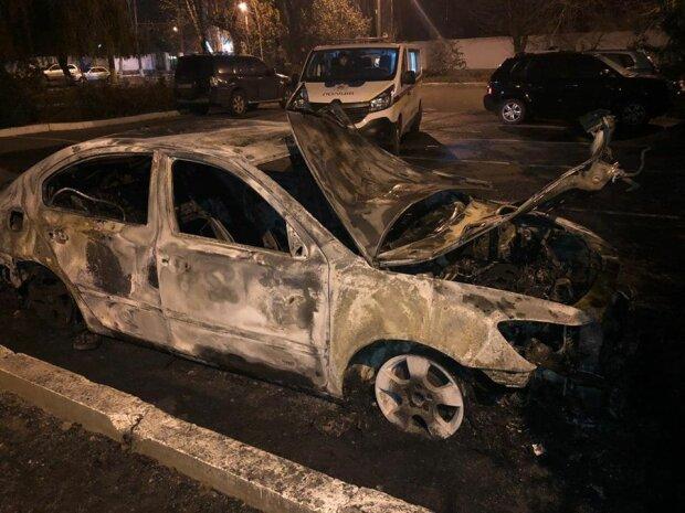 """Помста контрабандистів або """"своїх"""": Нефедов розповів, хто міг підпалити авто в. о. голови одеської митниці"""