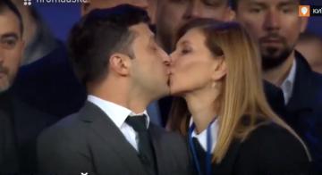 Картинки по запросу зеленский и жена поцелуй