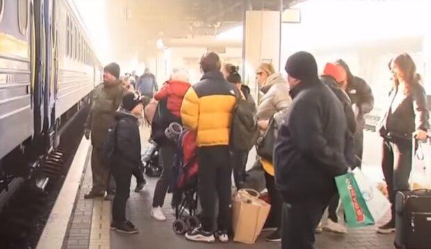 Укрзализныця выходит из карантина - когда можно смело покупать билеты