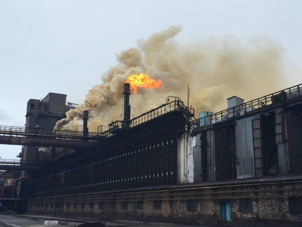 Вибух і пожежа знищили завод-гігант: катастрофа зачепила багатьох людей