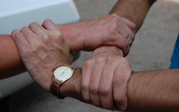 Наші руки не для нудьги: вчені розповіли, чому людині замало кінцівок