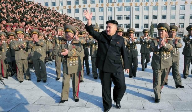 """Північнокорейські військові """"стріляли"""" у президента Південної Кореї"""