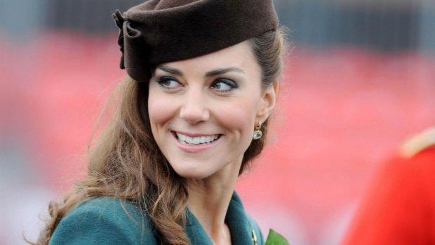Чтобы выдержать разрыв с принцем, Кейт Миддлтон начала пить: фанаты шокированы поведением герцогини