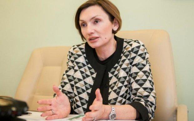 Скандальна Рожкова з НБУ повернула крісло через суд