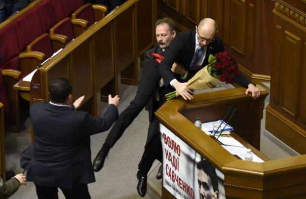 """""""На х** пішов бігом!"""": як спілкуються нардепи, забороняючи лаятися українцям"""