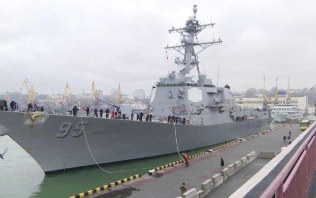 Эсминец в порту Одессы: как выглядит сверхсовременное американское судно