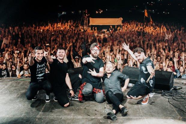 Боляче дивитися: фіаско соліста українського рок-гурту потрапило на відео