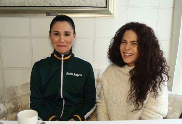 Маша Єфросиніна і Настя Каменських, кадр з відео