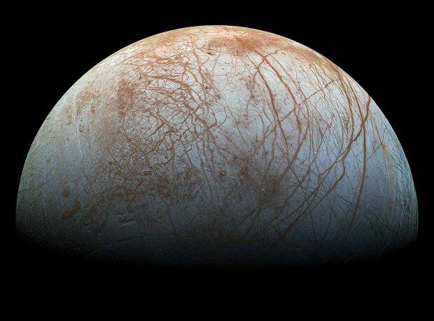 Спутник Юпитера Европа, изображение Wikimedia Commons