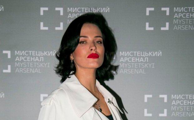 """Даша Астаф'єва показала, як качає свій """"горішок"""", неможливо відвести очі: """"Багато хто заздрить"""""""