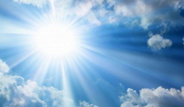 Завтра в Україні буде тепла погода