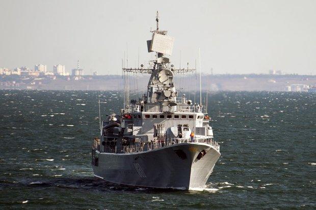 Украинскому флоту разрешили открывать огонь на поражение: новые правила в море