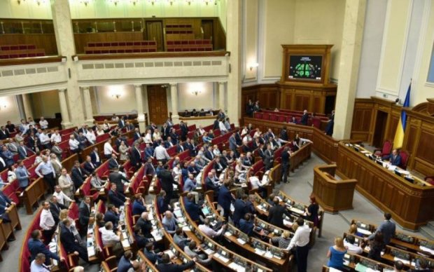 Микола Томенко розповів, як влада прикриває політичну рекламу