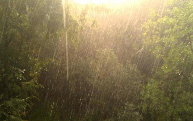Погода на 28 августа: стихии борются за власть над Украиной