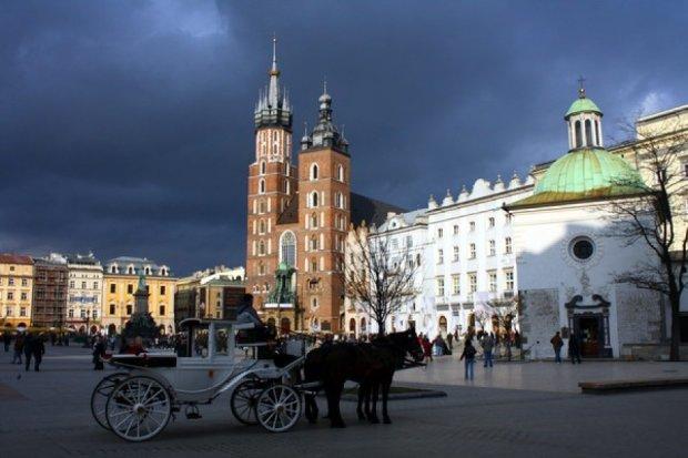 Польським глядачам покажуть українські театри