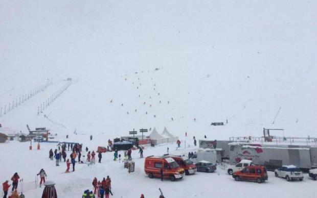 Мощная лавина похоронила лыжниц на высоте трех километров