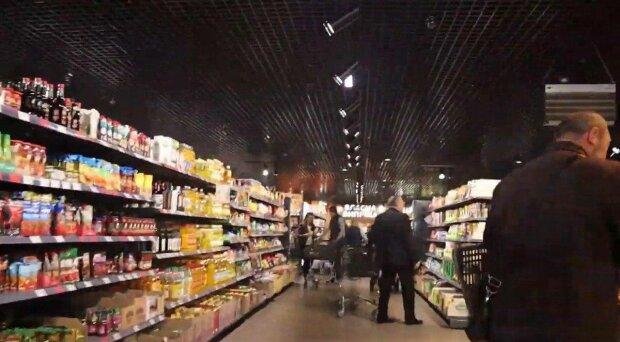 Супермаркет, фото: скріншот з відео