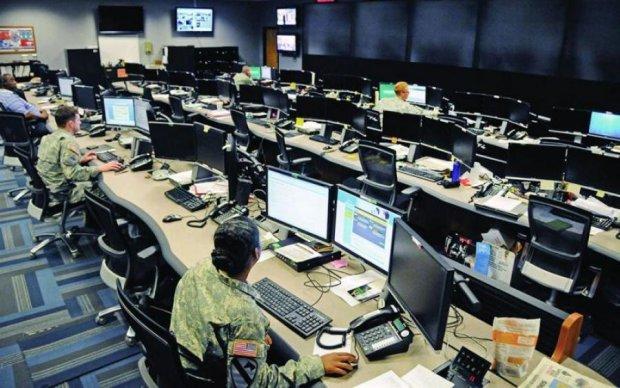 """ЦРУ злило секретні документи про """"холодну війну"""""""