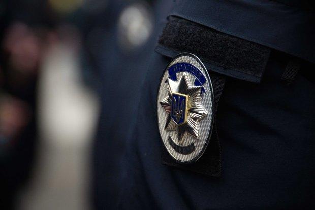 Львівський поліцейський замість боротьби зі злочинністю вирішив її очолити: полетіли перші голови