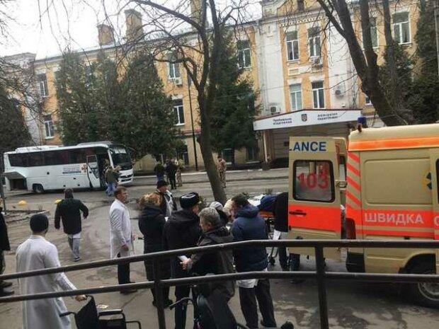 До Києва звозять важко поранених бійців з Донбасу, терміново потрібна кров: допомогти може кожен