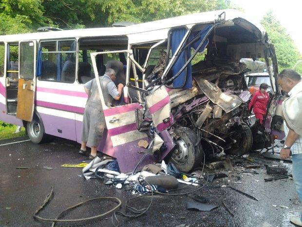 Смертельна ДТП з автобусом під Дніпром: поставлений жорсткий ультиматум