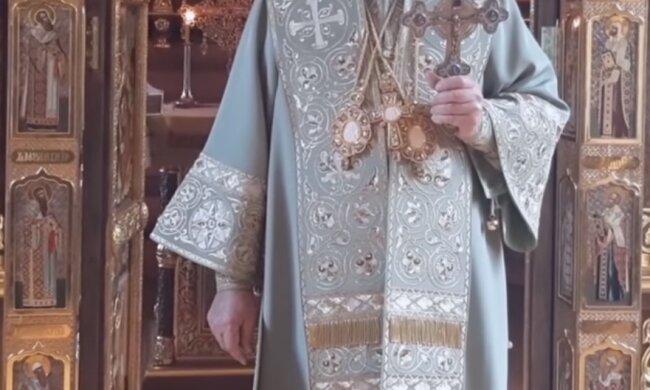 """Середньовічна дикість в РПЦ: російські попи отримали """"чумні костюми"""" для богослужінь"""