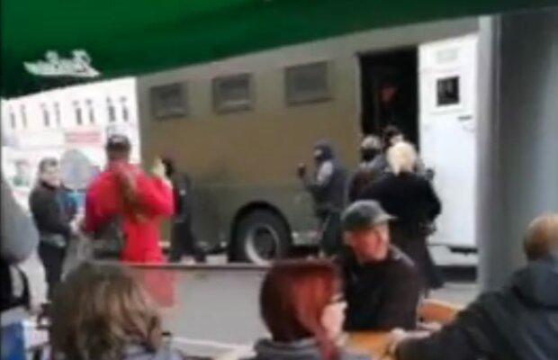 """Белорус смог обмануть """"псов"""" Лукашенко: на улице визжали от его поступка"""
