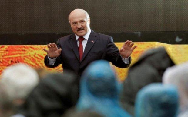 Начинаем откатываться: Лукашенко одолели страхи из-за России