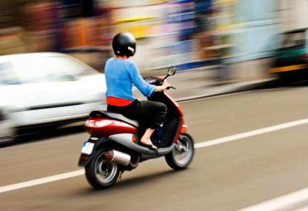 П'яний мотоцикліст проїхав по голові дитині: страшна ДТП приголомшила Луганщину