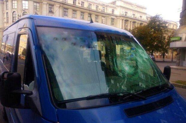 Разбитый микроавтобус / фото: Труха