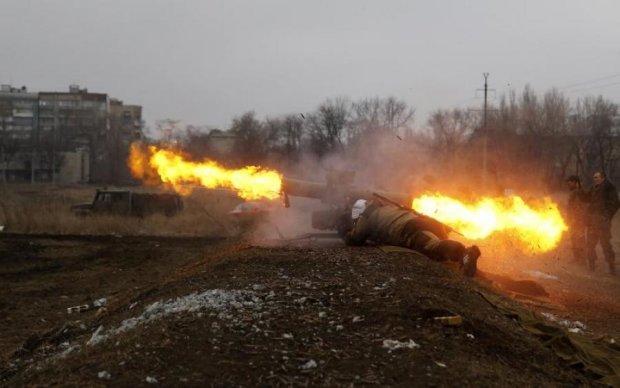 Адская ночь на Донбассе: полсотни обстрелов и пострадавшие герои ВСУ