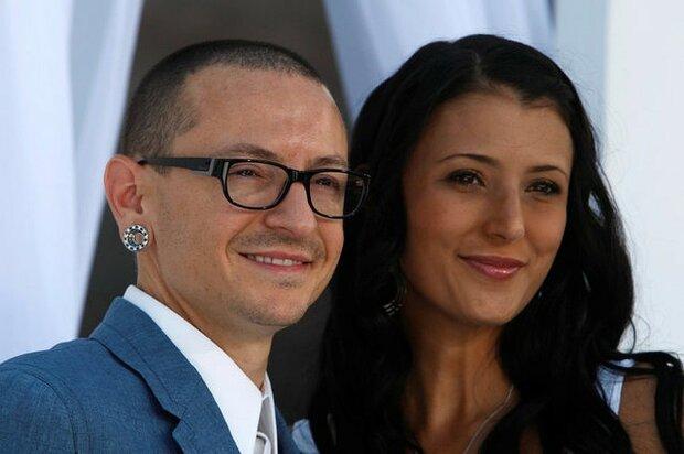 Вдова соліста Linkin Park Честера Беннінгтона вийшла заміж: заручена з моїм ангелом