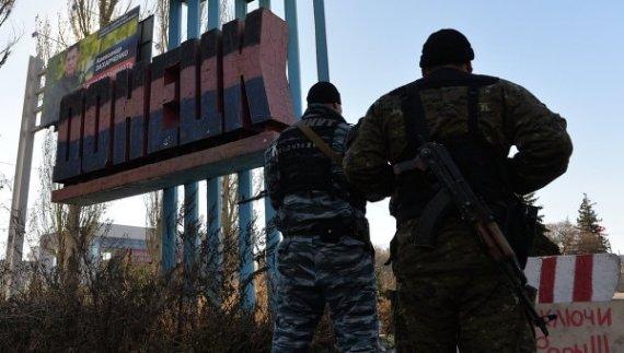 Донецк под дулом автоматов: террористы в панике закрыли город, будут рвать друг другу глотки