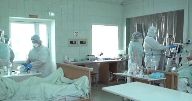 Медики в больнице, скриншот: Youtube