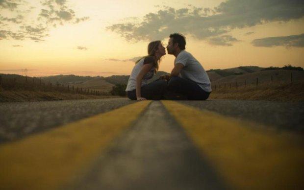 Він буде твоїм: дієві способи закохати в себе чоловіка