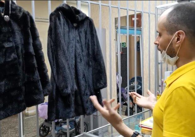 Норковые шубы, скриншот видео
