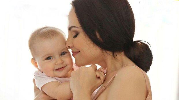 Мама з дитиною, фото: Мін'юст