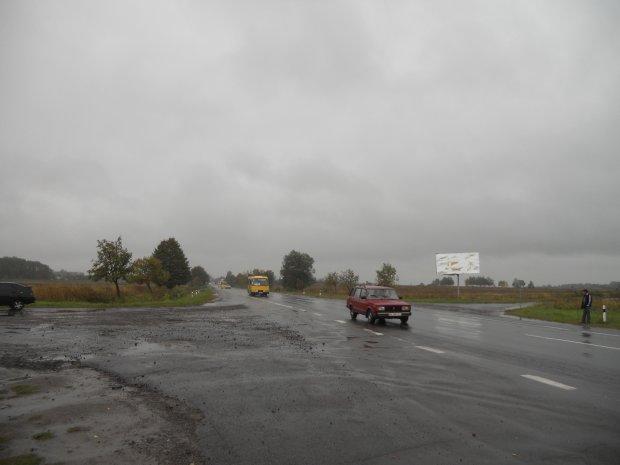 Под Львовом произошло жуткое ДТП, 5 человек на грани жизни и смерти: кадры дорожного хоррора