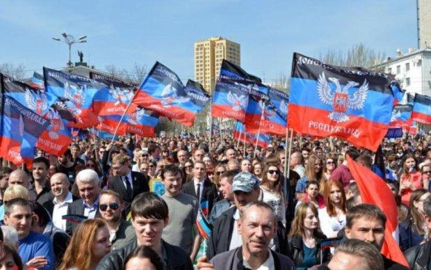 День памяти и скорби жители Донбасса встретят под дулами боевиков