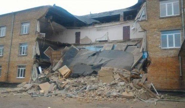 Стали известны первые версии разрушения школы на Киевщине