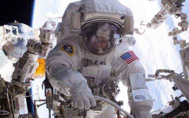Екіпаж МКС позапланово вийде в космос