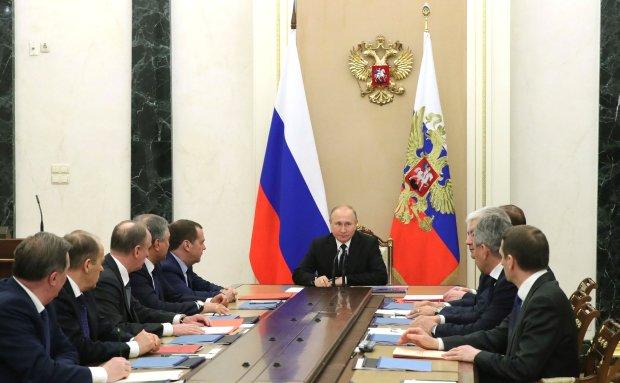 """Екс-ватажок """"ДНР"""" розкрив найстрашнішу таємницю Путіна: як мінімум троє"""