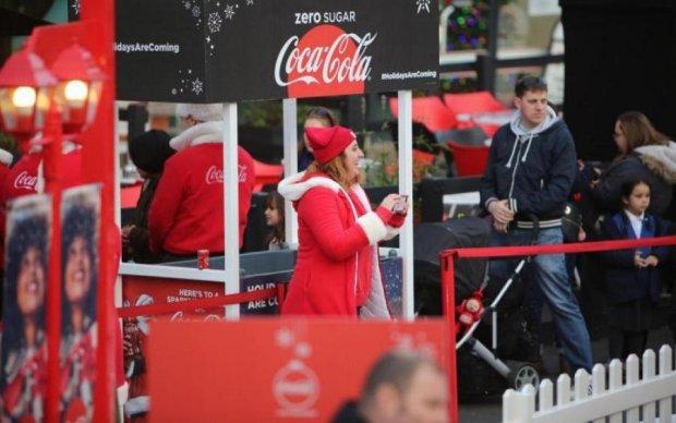 Вслед за советским платьем: Coca-Cola огорчила украинцев еврейской матрешкой