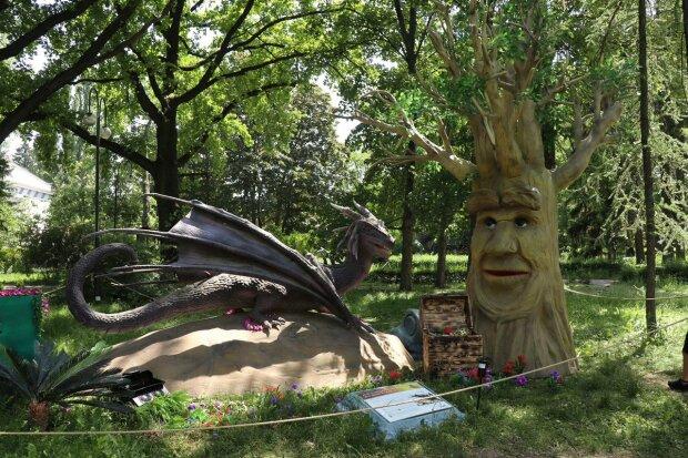 """Фентезі-парк """"Живі дракони і чарівні дерева"""", фото: Знай.uа"""