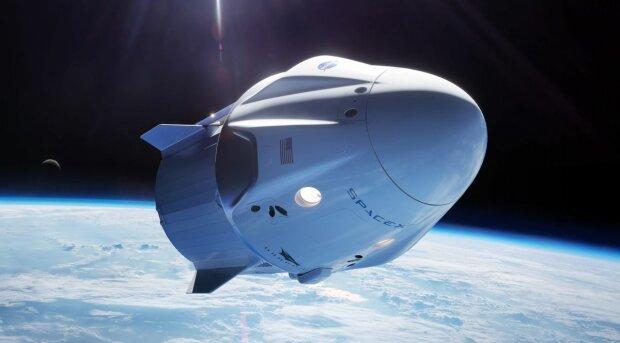 """Ілон Маск відправить до космосу мишей  з """"надм'язами"""", роботів і пиво: унікальний проект показало NASA"""