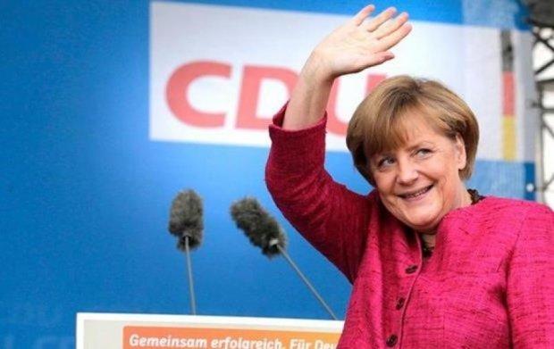 Меркель наполягла на подовженні санкцій для РФ