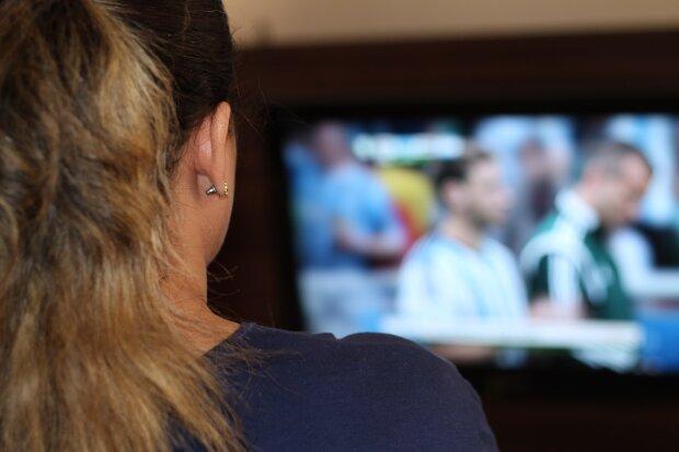 просмотр телеканалов, фото Pxhere
